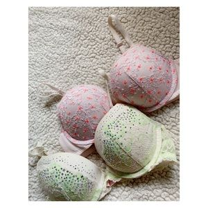 2 Victoria's Secret Dream Andes Bras